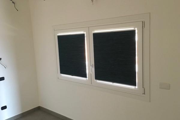 Vendita online tende a vetro per interni lasciati tendare for Acquisto tende on line