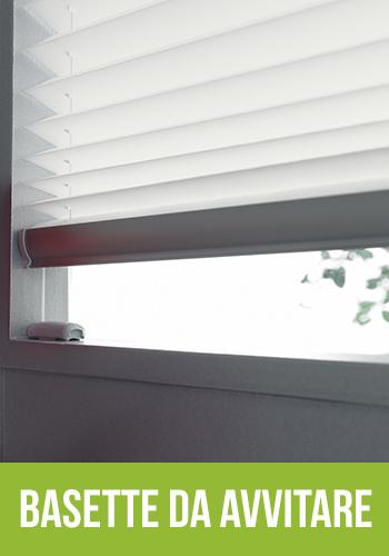 Istruzioni di montaggio tenda installata in luce vetro for Finestre velux istruzioni telecomando