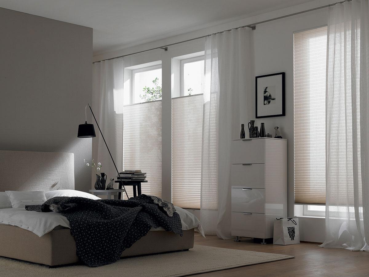 Realizzazioni tende a vetro pliss - Tende per camera ...